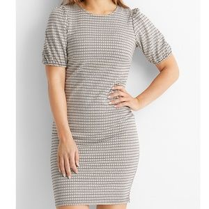 b. young brown houndstooth puff short sleeve dress